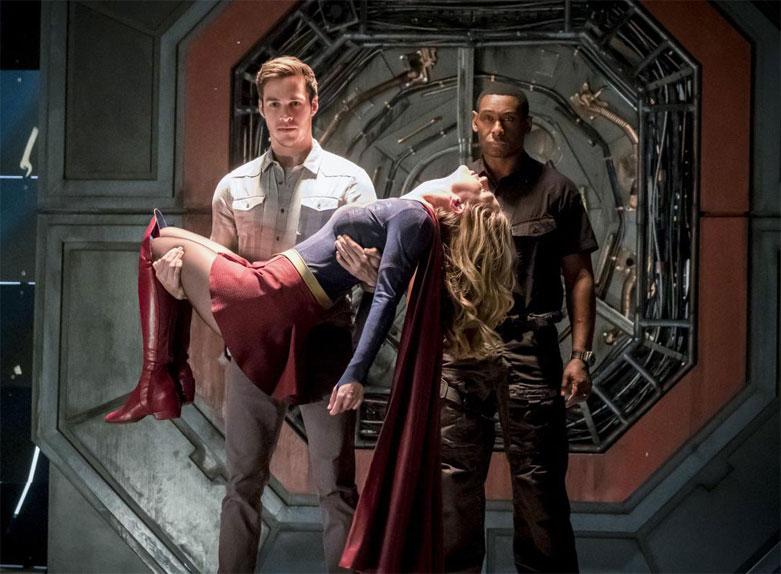 """Le tournage de """"Supergirl"""" permet de resserrer les liens..."""