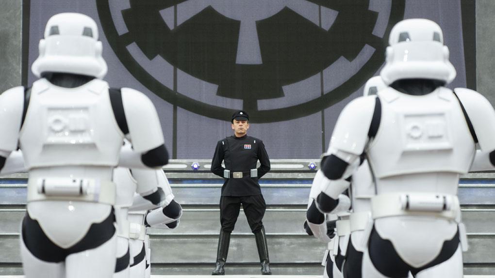 Faites face à Dark Vador et la Marche Impériale des stormtroopers