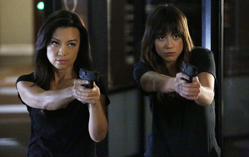 Photo Chloe Bennet, Ming-Na Wen