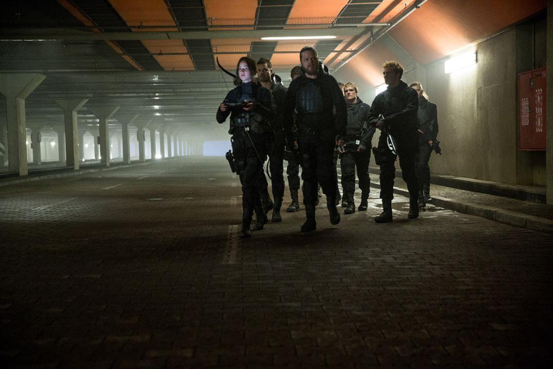 Hunger Games - La Révolte : Partie 2 : Photo Elden Henson, Jennifer Lawrence, Josh Hutcherson, Natalie Dormer, Sam Claflin