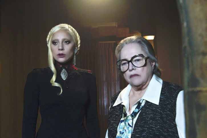 Photo Kathy Bates, Lady Gaga