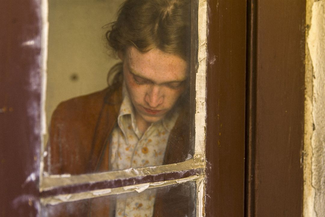 Low Down : Photo Caleb Landry Jones