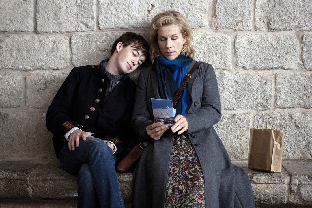 Departure : Photo Alex Lawther, Niamh Cusack