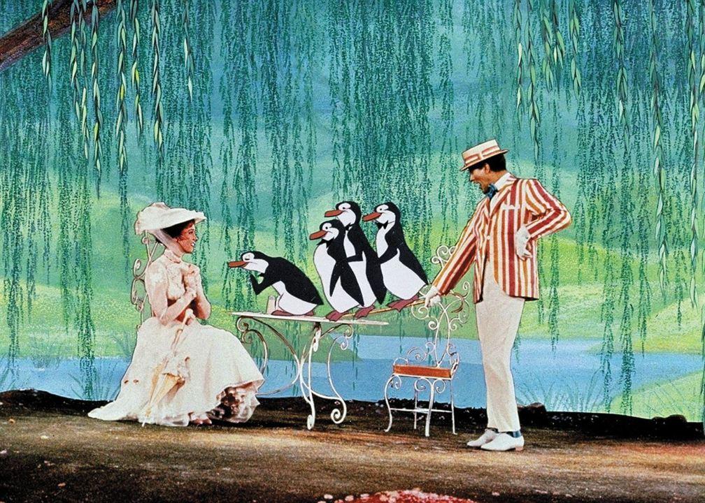 Mary Poppins : Photo Dick Van Dyke, Julie Andrews