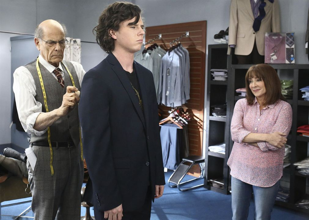 Photo Alan Rachins, Charlie McDermott, Patricia Heaton