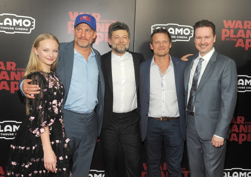 La Planète des Singes - Suprématie : Photo promotionnelle Amiah Miller, Andy Serkis, Matt Reeves, Steve Zahn, Woody Harrelson