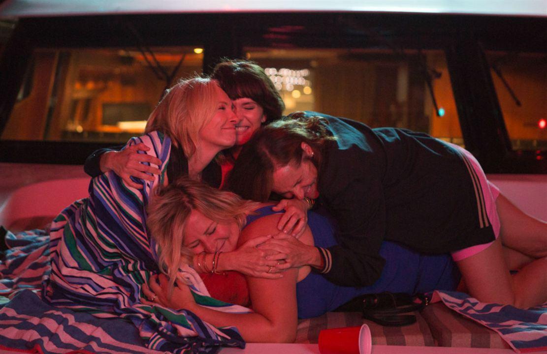 Fun Mom Dinner : Photo Bridget Everett, Katie Aselton, Molly Shannon, Toni Collette