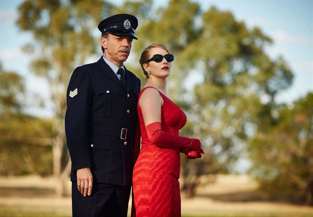 Haute couture : Photo Hugo Weaving, Kate Winslet