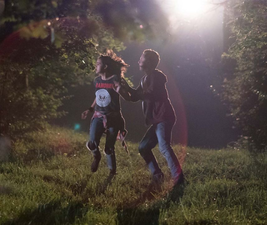 The Strangers: Prey at Night : Photo Bailee Madison, Lewis Pullman