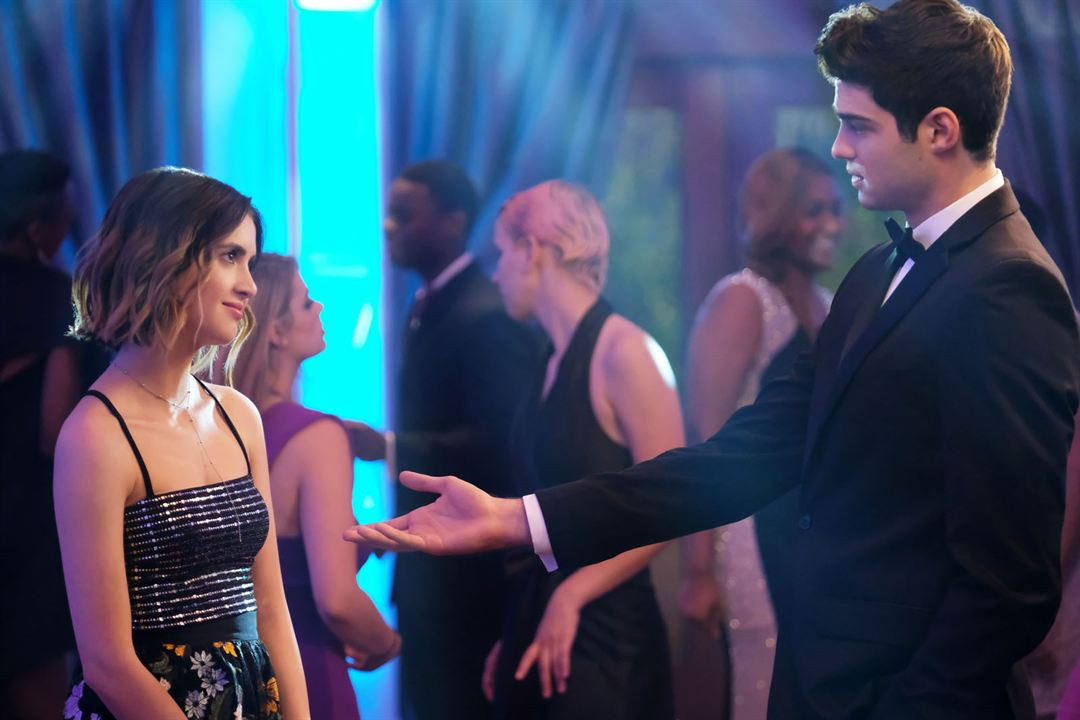 The Perfect Date : Photo Camila Mendes, Noah Centineo