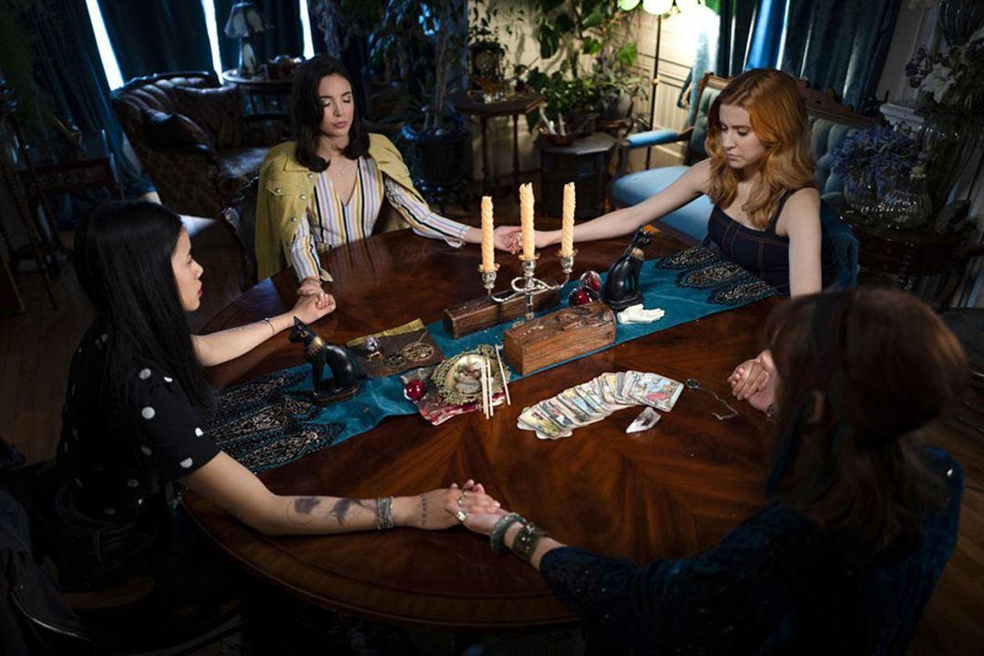 Photo Kennedy McMann, Leah Lewis, Maddison Jaizani, Pamela Sue Martin