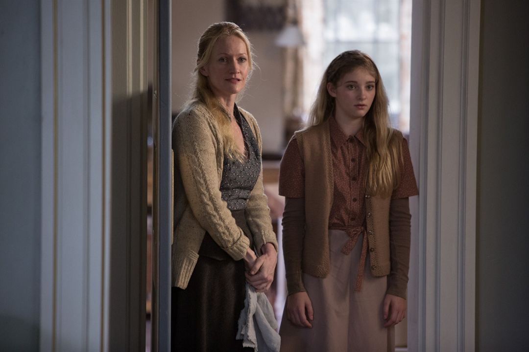 Hunger Games - L'embrasement : Photo Paula Malcomson, Willow Shields