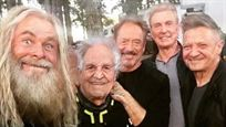 FaceApp : les Avengers vieillis par Jeremy Renner (Hawkeye)