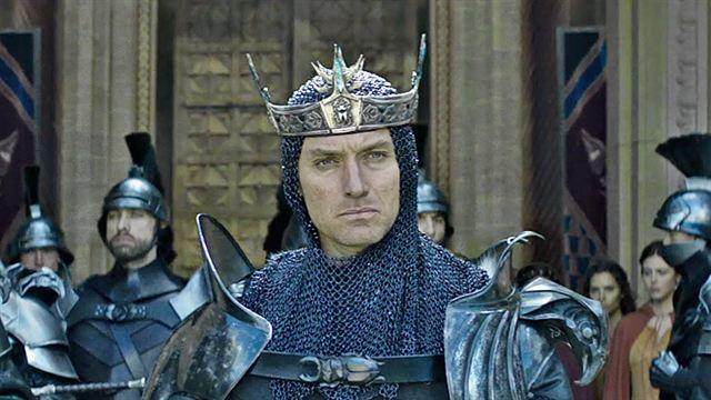 Le Roi Arthur: La Légende d'Excalibur Bande-annonce (2) VO