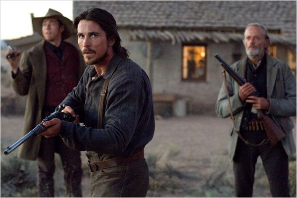 3h10 pour Yuma : photo Christian Bale, James Mangold, Peter Fonda