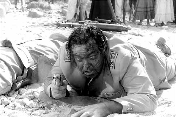 Trois pour un massacre : Photo Giulio Petroni, Orson Welles
