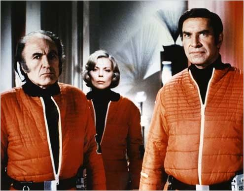 Cosmos 1999 : photo Barbara Bain, Martin Landau