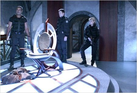 Stargate SG-1 : photo Amanda Tapping, Ben Browder, Christopher Judge