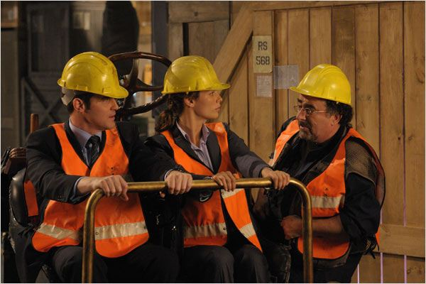 Warehouse 13 : Photo Eddie McClintock, Joanne Kelly, Saul Rubinek