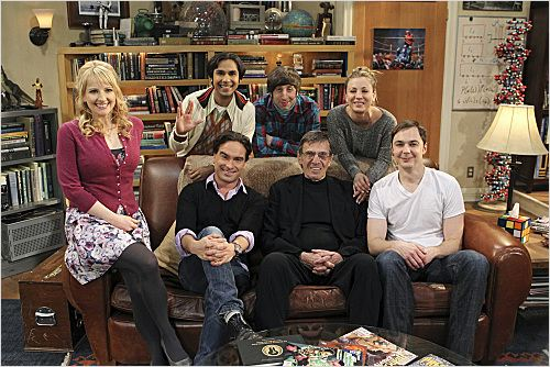 Photo Jim Parsons, Johnny Galecki, Kaley Cuoco, Kunal Nayyar, Leonard Nimoy
