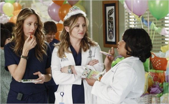 Photo Chandra Wilson, Jessica Capshaw, Kim Raver