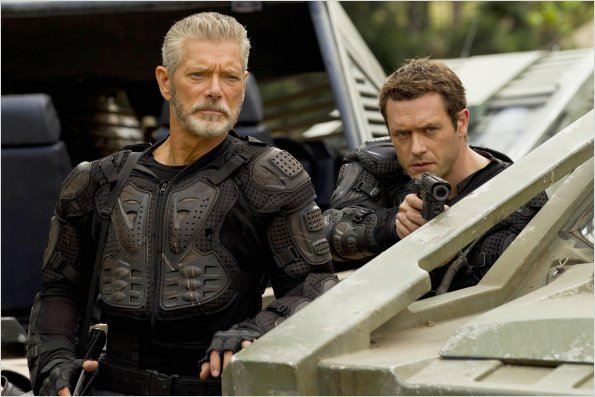 Terra Nova : photo Jason O'Mara, Stephen Lang