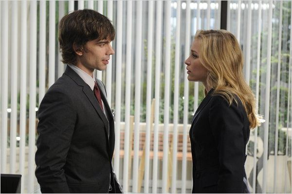 Covert Affairs : photo Christopher Gorham, Piper Perabo