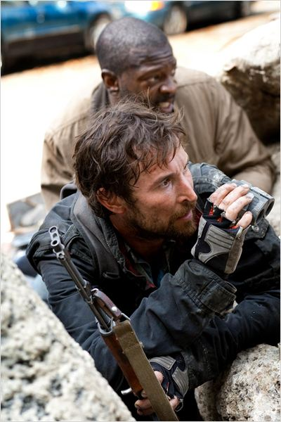 Falling Skies : photo Martin Roach, Noah Wyle