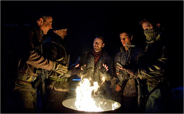 Falling Skies : photo Brad Kelly, Drew Roy