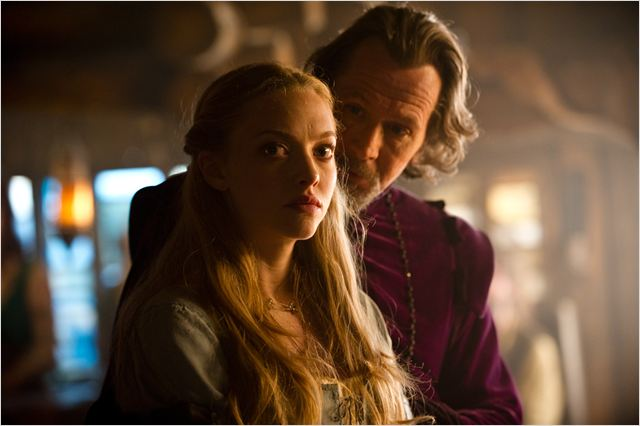 Le Chaperon Rouge : photo Amanda Seyfried, Catherine Hardwicke, Gary Oldman