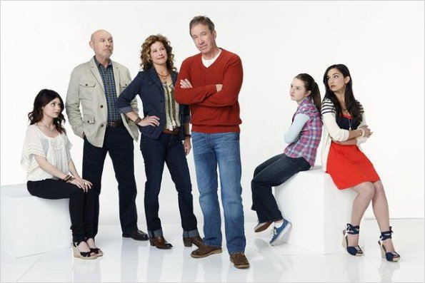 Last Man Standing : photo Alexandra Krosney, Hector Elizondo, Kaitlyn Dever, Molly Ephraim, Nancy Travis