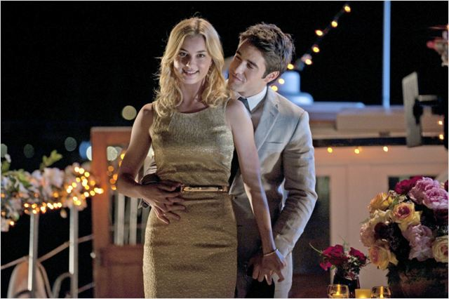 Photo Emily VanCamp, Joshua Bowman