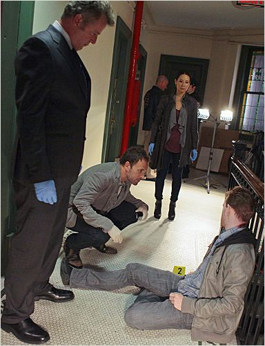 Photo Aidan Quinn, Jonny Lee Miller, Lucy Liu