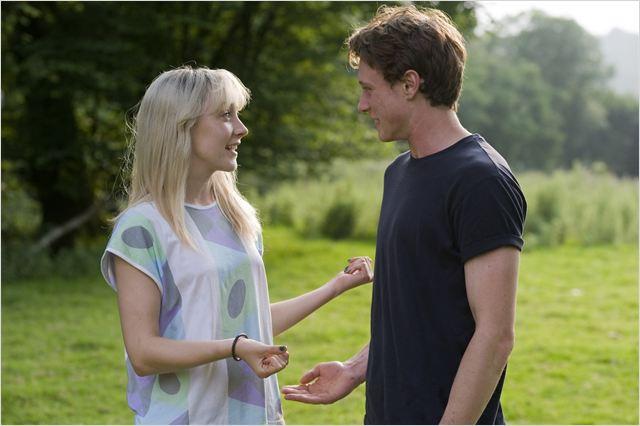saoirse ronan and george mackay dating advice