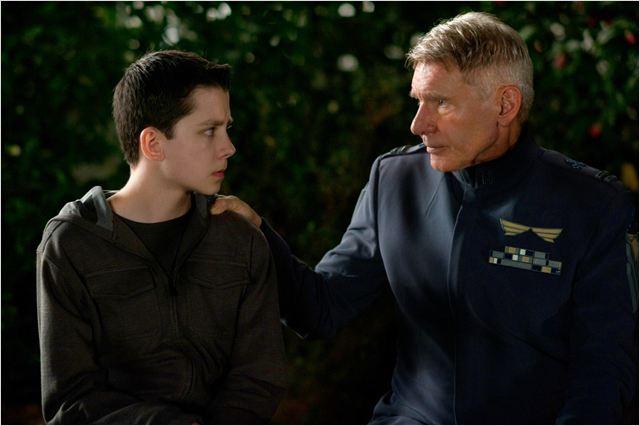 La Stratégie Ender : Photo Asa Butterfield, Harrison Ford