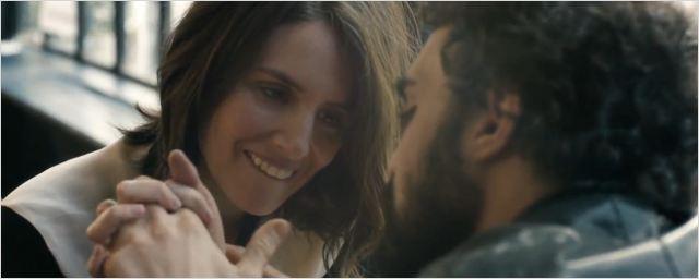 Louise Monot et Foëd Amara en couple dans le clip de Rose