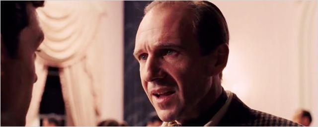 Nouvelle bande-annonce Ave César ! : Ralph Fiennes en réalisateur au bout du rouleau pour les frères Coen