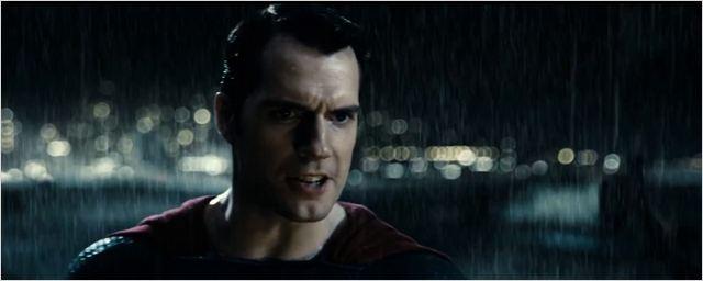 """Batman v Superman : le """"combat de gladiateurs"""" se prépare dans les spots TV"""