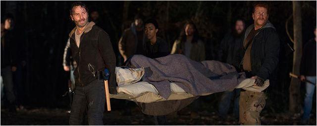 The Walking Dead : comment la production cache-t-elle la victime de Negan ?