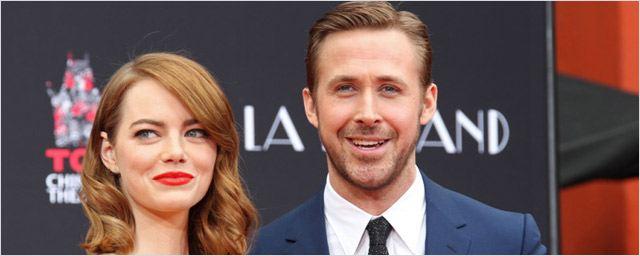Les joyeux Emma Stone et Ryan Gosling laissent leurs empreintes sur le Walk of Fame