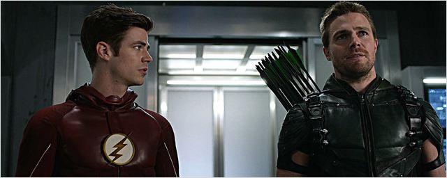 Flash et Arrow font une pause sur le tournage du cross-over de la CW