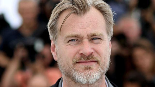 """Christopher Nolan va tourner un thriller romantique """"entre La Mort aux trousses et Inception"""""""