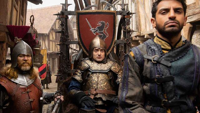 Miracle Workers avec Daniel Radcliffe : que vaut la saison 2 moyenâgeuse de cette série déjantée ?