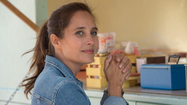 Après Plan B, Julie de Bona incarnera la joueuse de tennis Isabelle Demongeot dans le téléfilm Service volé