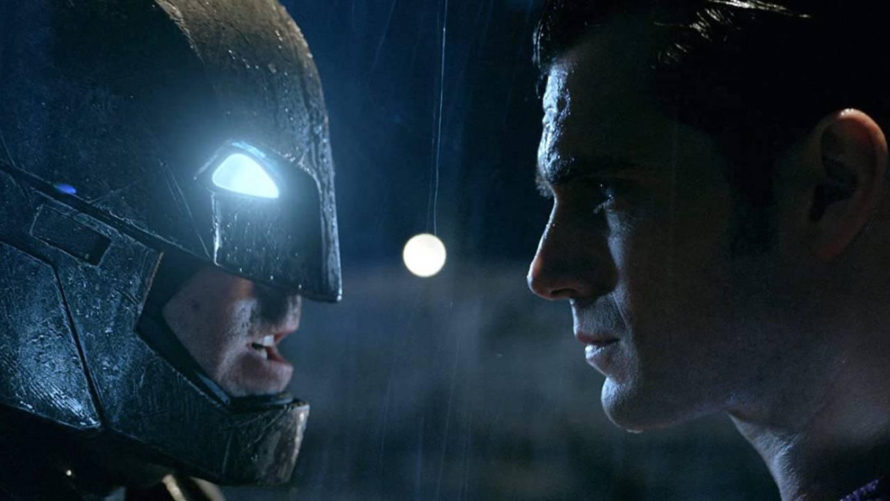 Batman v Superman : Zack Snyder défend la scène la moins populaire du film - AlloCiné