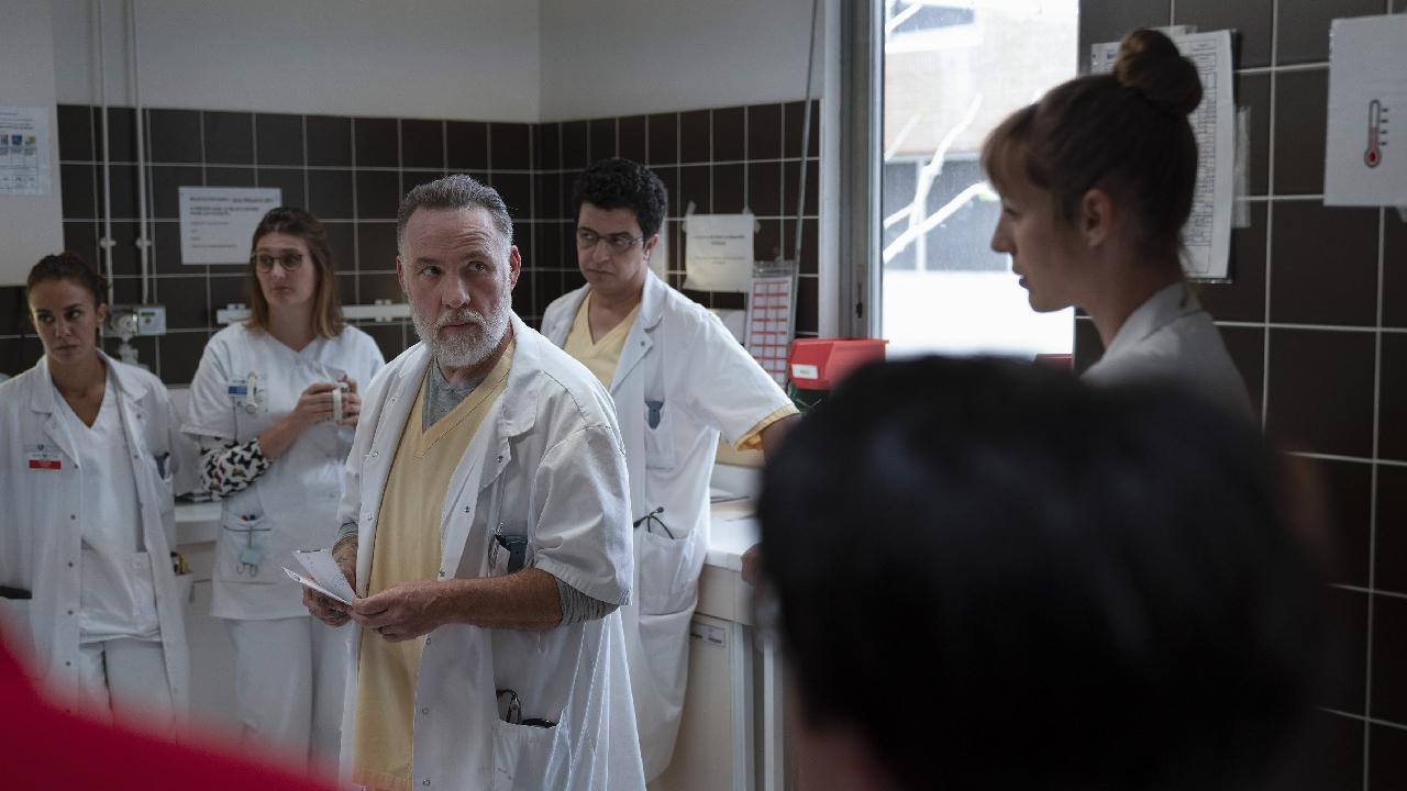 Hippocrate saison 2 : Thomas Lilti réagit à la mort inattendue d'un personnage – News Séries à la TV