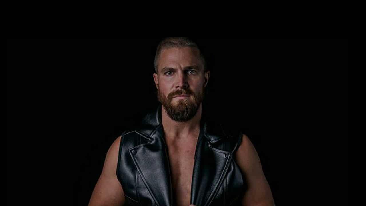 Heels sur Starzplay : Stephen Amell se remémore son passage à la WWE – News Séries