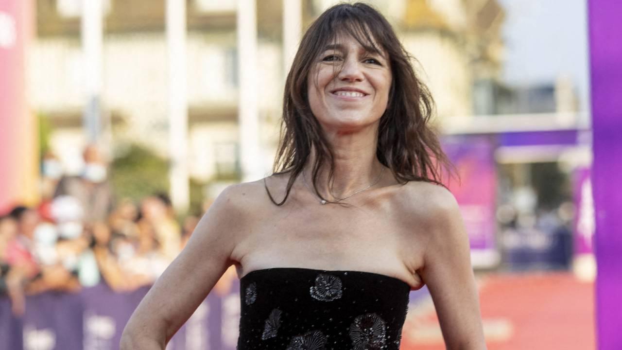 Deauville 2021 : Charlotte Gainsbourg et la star de Titane sur le tapis rouge d'ouverture