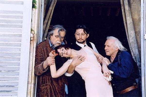 Photo de Michael Lonsdale - Le mystère de la chambre jaune : Photo Bruno  Podalydès, Denis Podalydès, Michael Lonsdale, Sabine Azéma - AlloCiné
