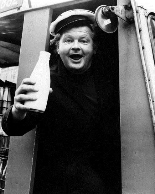 L'Or se barre : Photo Benny Hill, Peter Collinson